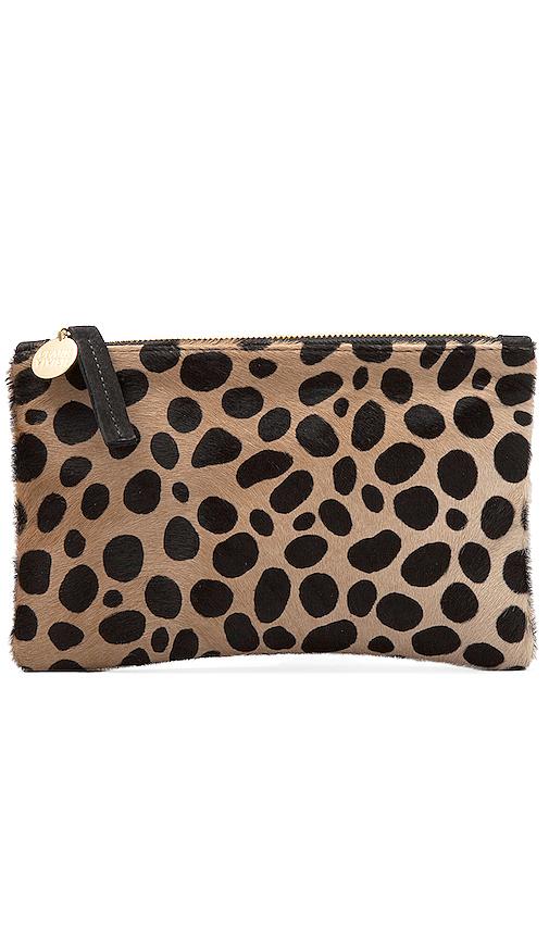 Clare V. Pochette Wallet En Leopard